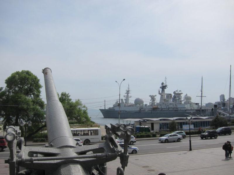 ウラジオストクの軍艦