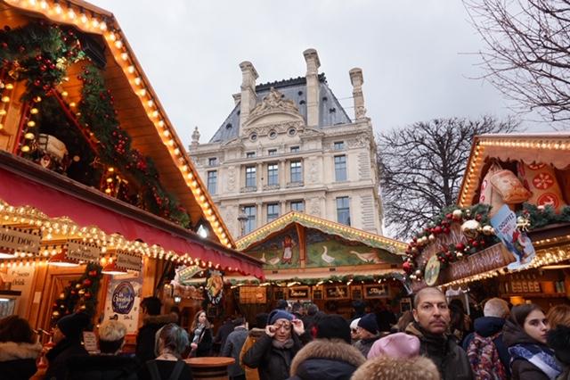 パリのクリスマスマーケット