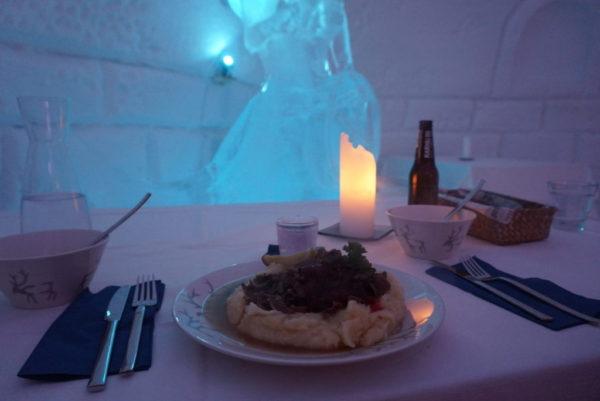 アイスレストランのディナー
